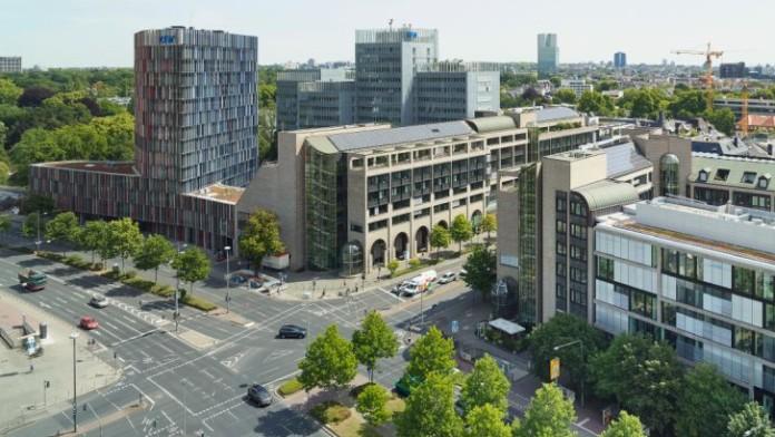 Blick auf die KfW-Gebäude in Frankfurt
