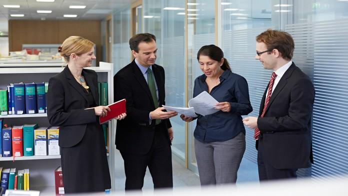 Dr. Heidi Hanssen mit Kollegen