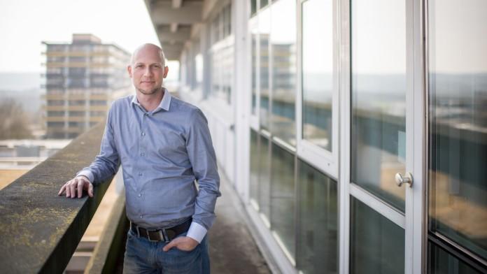 Der Gründer von VMRay Carsten Willems stehend