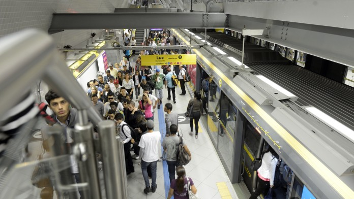 Metro-Linie 4 (ViaQuatro), Haltestelle Paulista, Februar 2014, Sao Paulo, Brasilien