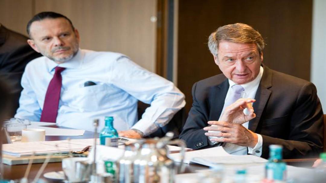 v.l. Luciano Coutinho (Präsident der BNDES) und Dr. Ulrich Schröder (KfW-Vorstandsvorsitzender) bei einem IDFC-Treffen in Berlin.
