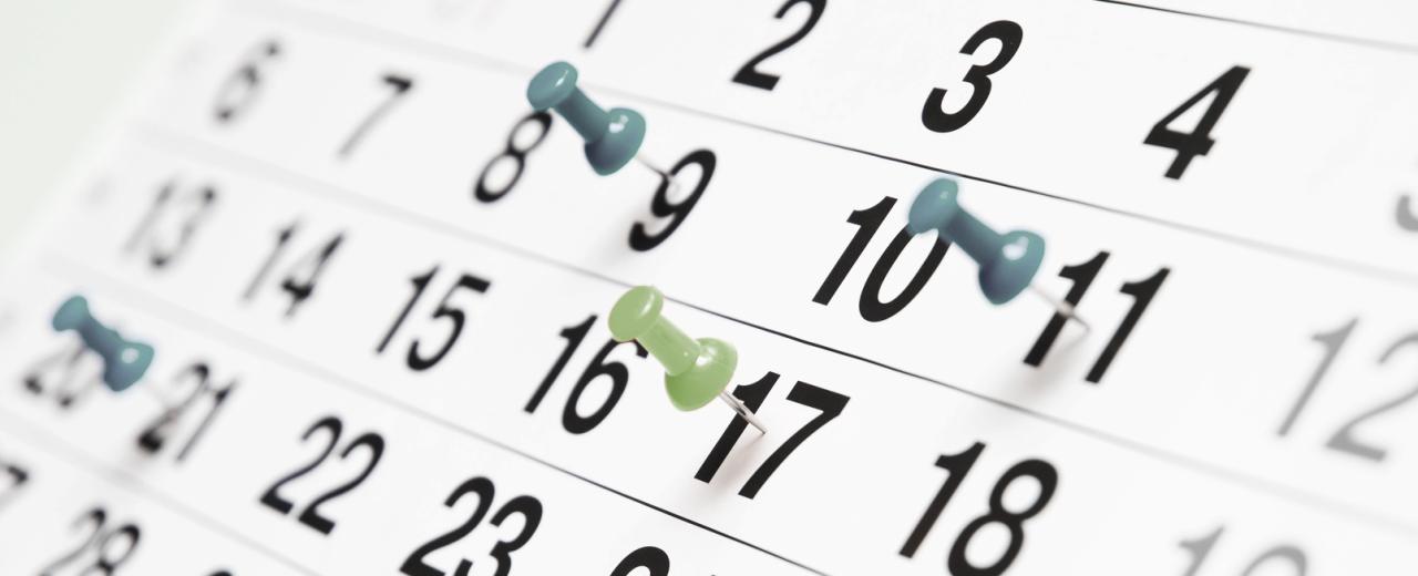 Kalender mit Pinnnadeln