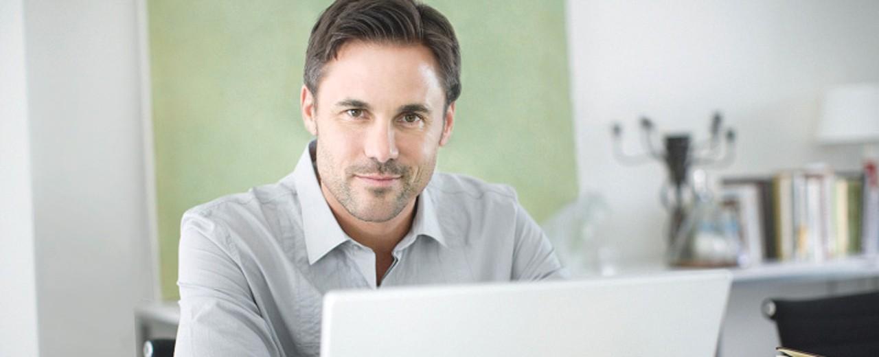 Mit der Online-Beratungsanfrage schnell und einfach zur Beratung bei einem Finanzierungspartner
