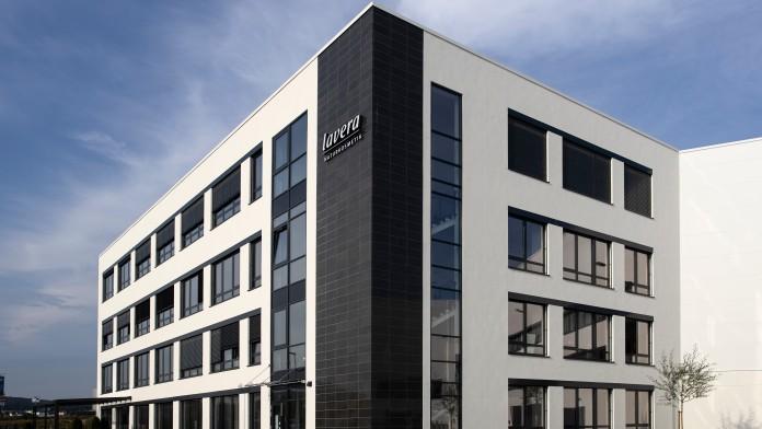 Energieeffizientes Firmengebäude der Firma Laverana