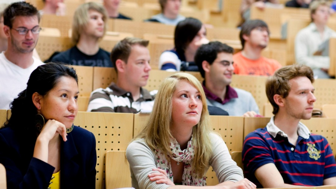 Exploiting potential: education economists call for a higher ratio of graduates in Germany.