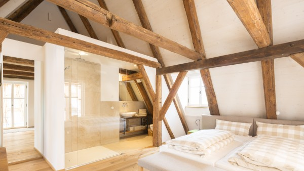 mehrfamilienhaus in berlin ist gewinner des kfw awards. Black Bedroom Furniture Sets. Home Design Ideas