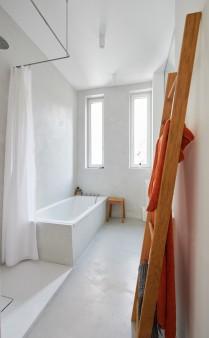 ehemaliger gewerbebau in einem stuttgarter innenhof ist jetzt ein luftiges wohnhaus platz 3. Black Bedroom Furniture Sets. Home Design Ideas